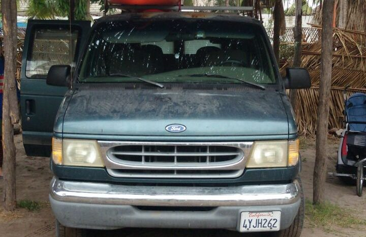 Ford E-150 1997 usada ubicada en Antigua Guatemala